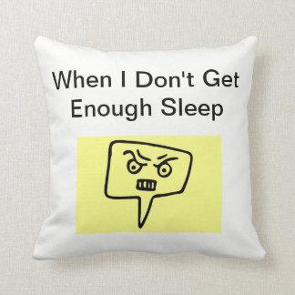 Wenn ich nicht genügend Schlaf-Kissen erhalte Kissen