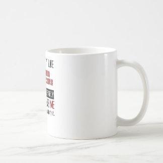 Wenn Sie das Reisen-Auto-Laufen nicht cool mögen Kaffeetasse