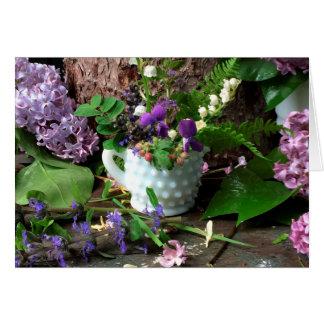Werktisch-Blumenstrauß-Veilchen ©dianeheller2017 Grußkarte