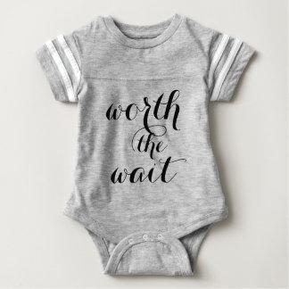 Wert das Wartezeit-Baby-lustige niedliche Baby Baby Strampler