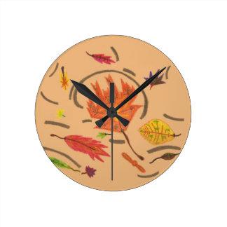 Wesentliches Herbst-der wirbelnden Blätter-Uhr Runde Wanduhr