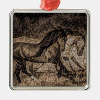 Westerncowboyrodeo, das wilde Pferde galoppiert Quadratisches Silberfarbenes Ornament