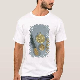 Whetstone und Ringe mit granulierter Dekoration, T-Shirt
