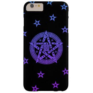 Wiccan keltischer Pentagram mit Blumen und Sternen Barely There iPhone 6 Plus Hülle