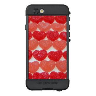 Wie süß es ist! Liebe Ihr Telefon bedeckt mit LifeProof NÜÜD iPhone 6s Hülle