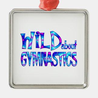 Wild über Gymnastik Silbernes Ornament