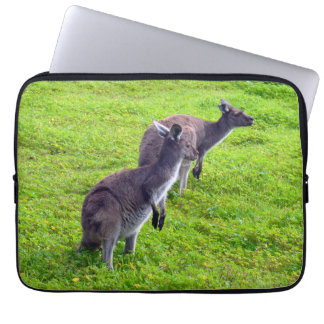 Wilde graue australische Kängurus, Laptopschutzhülle