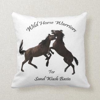Wildes PferdeKrieger Kissen