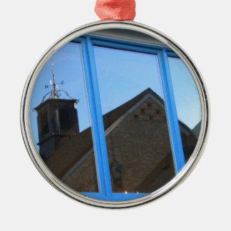 Wind-Schaufel im Fenster Rundes Silberfarbenes Ornament