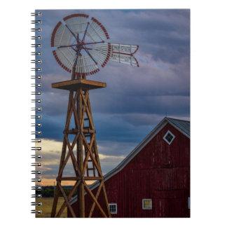 Windmühle und Scheunen-gewundenes Notizbuch Spiral Notizblock