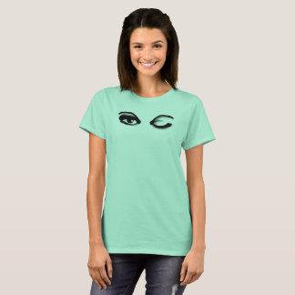 WINK durch Slipperywindow T-Shirt
