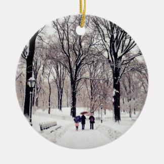 Winter-Familien-Reise zum Central Park Keramik Ornament