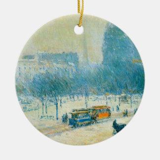 Winter im Gewerkschafts-Quadrat durch Childe Rundes Keramik Ornament