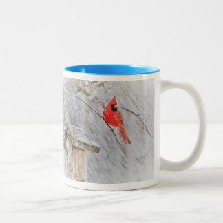 Winter-Kardinals-Tasse Zweifarbige Tasse