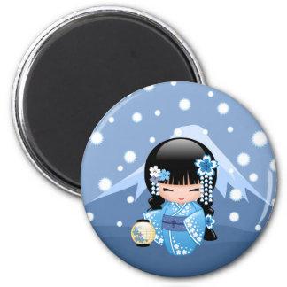 Winter Kokeshi Puppe - blaues Runder Magnet 5,1 Cm