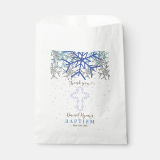 Winter-laden silberne geschenktütchen