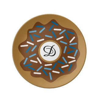 Winter-Schaumgummiringe mit Blau besprüht Porzellanteller