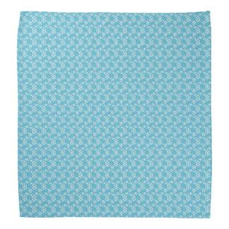 Winter-Schneeflocken auf einem Blau für Halstuch