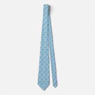 Winter-Schneeflocken auf hellblauem Weihnachten Bedruckte Krawatten