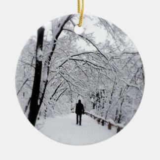 WinterWhiteout Rundes Keramik Ornament