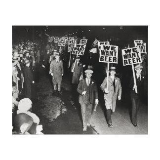 Wir wollen Bier! Verbot Protest, 1931. Vintag Leinwanddrucke