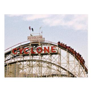Wirbelsturm-Rollen-Untersetzer - Coney-Insel, Postkarte