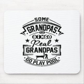 Wirkliche Großväter gehen Spiel-Pool Mauspads