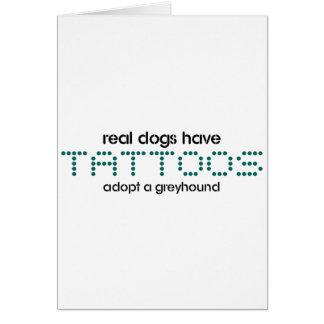 Wirkliche Hunde haben Tätowierungen Karte