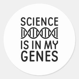 Wissenschaft ist in meinen Genen Runder Aufkleber