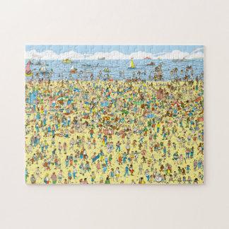 Wo Waldo auf dem Strand ist