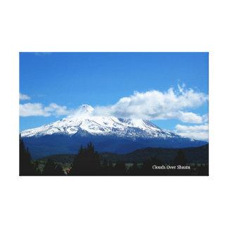 Wolken über Shasta Leinwanddruck