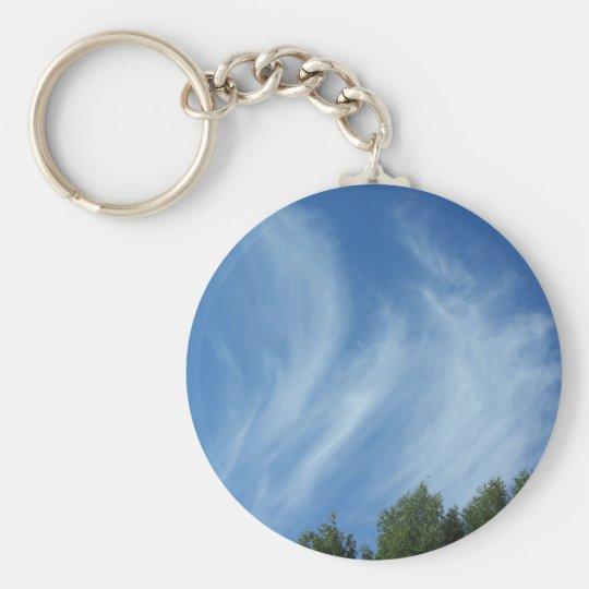 Wolken und Bäume Standard Runder Schlüsselanhänger