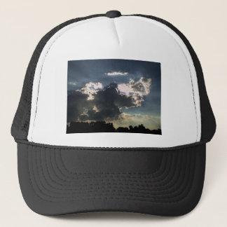 Wolken und Sun Truckerkappe