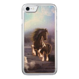 Wunderbares Pferd mit Mond Carved iPhone 8/7 Hülle