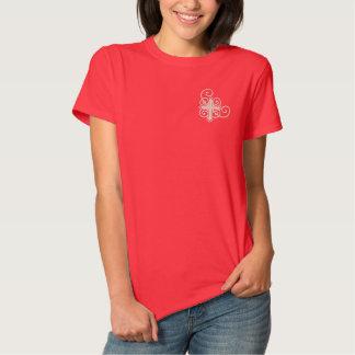 Würdevolles Kreuz Besticktes T-Shirt