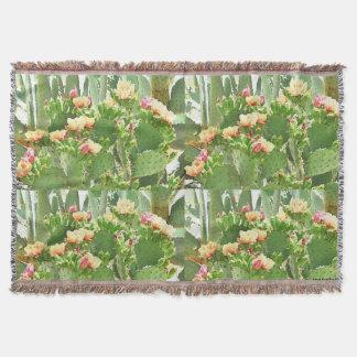 Wurfs-Decke - Kaktusfeige-Kaktus in der Blüte Decke