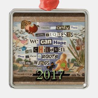 Wurzeln u. Flügel-Gewohnheits-Jahr Quadratisches Silberfarbenes Ornament