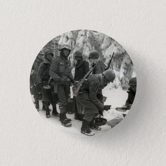 WWII amerikanische Soldaten in Belgien Runder Button 3,2 Cm