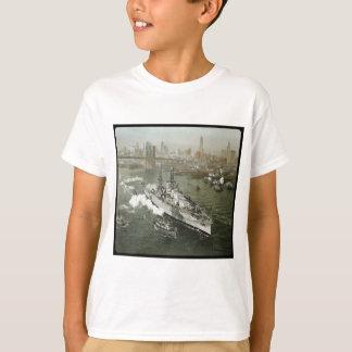 WWII Schlachtschiff auf dem Hudson Vintag T-Shirt