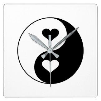 Yin Yang Herzen Quadratische Wanduhr