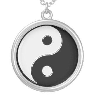 Yin Yang in Schwarzweiss Halskette Mit Rundem Anhänger