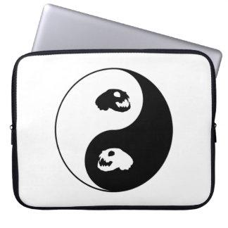 Yin Yang Katzen-Schädel Laptop Sleeve