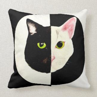 Yin Yang Katzen-Schwarzweiss-Kissen Kissen