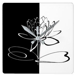 Yin Yang Schwarz-weiße Lotos-Blüte Quadratische Wanduhr