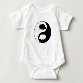 Ying Yang Flusspferd Baby Strampler