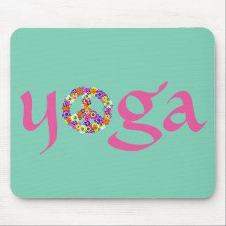 Yoga-Friedenszeichen mit Blumen Mousepad