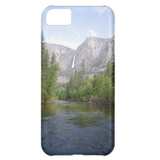 Yosemite-Landschaft mit Wasserfall iPhone 5C Hülle