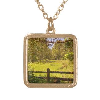 Zaun an der Eichen-Unterseite Halskette Mit Quadratischem Anhänger