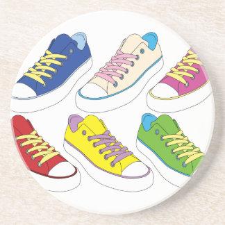Zeichnende Turnschuhe, bunte laufende Schuhe Sandstein Untersetzer