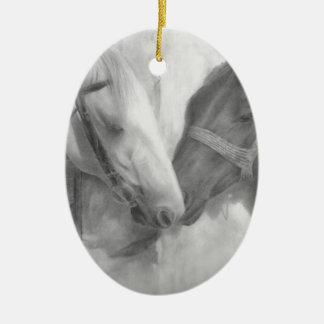 """""""Zeichnender Schutz"""" Keramik Ornament"""